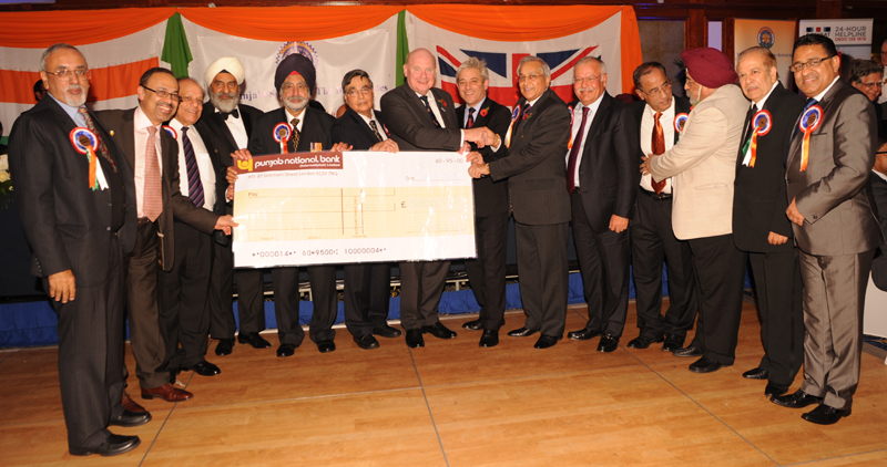 The Executive Committee with cheque